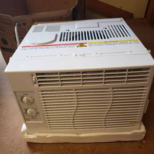 Ge 5,000 Btu Mechanical Window Air Conditioner In White, Ael05lx