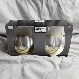 Set Of 2 Stemless Wine Glasses With Gold Coloring At Base Of The Glasses 19 Oz