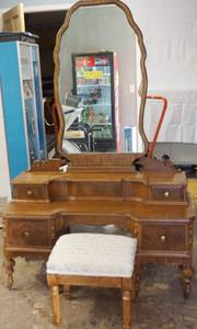 Very Pretty Vintage Vanity with Mirror and Stool,  See Photos