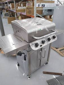 Char-Broil 463342118 Performance 4-Burner Gas Grill ( Used an Not Inspected )