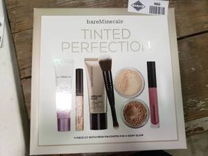 bareMinerals Tinted Perfection 7-Piece Kit
