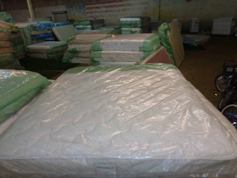 New Queen Size Mattress Grandview Triangle Auction Household Appliances And Mattresses