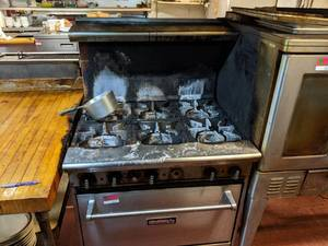 Tri-Star 6 Range Oven, Buyer Responsible For Removal