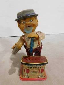 Vintage Charley Weaver bartender battery operated tin toy collectible