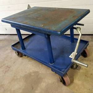 "Vestil (Model MT-2436-LP) Low Profile Mechanical Post Table, 2000 lbs Capacity, 36"" L x 24"" W Platform - 24"" to 42"" Height Range"
