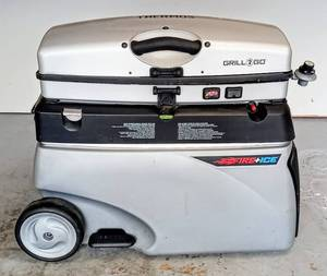 Thermos Fire & Ice Grill 2 Go - Gas Grill Cooler Combo ~ A Tailgate or Camping Must Have!