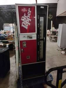 Vintage Dr Pepper Soda Machine *In Working Condition, Gets Cold*
