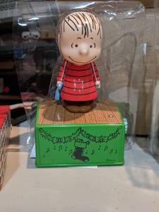 peanuts decorations
