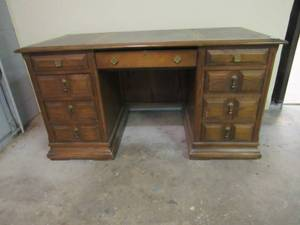 Very nice Mystique Wood Executive desk with faux leather desk top